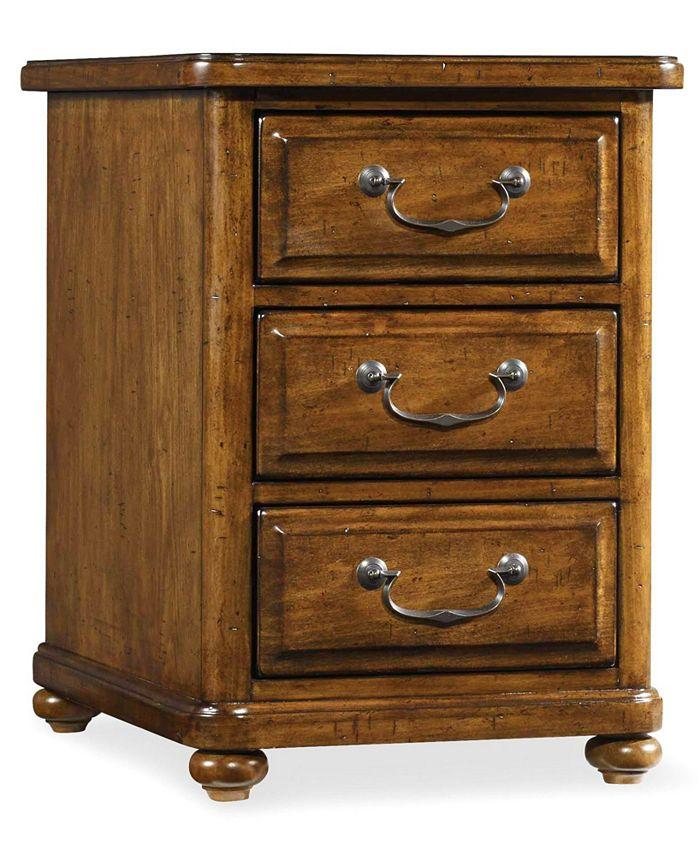 Hooker Furniture - Tynecastle Chairside Table
