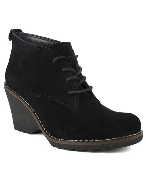White Mountain Lambert Ankle Boots