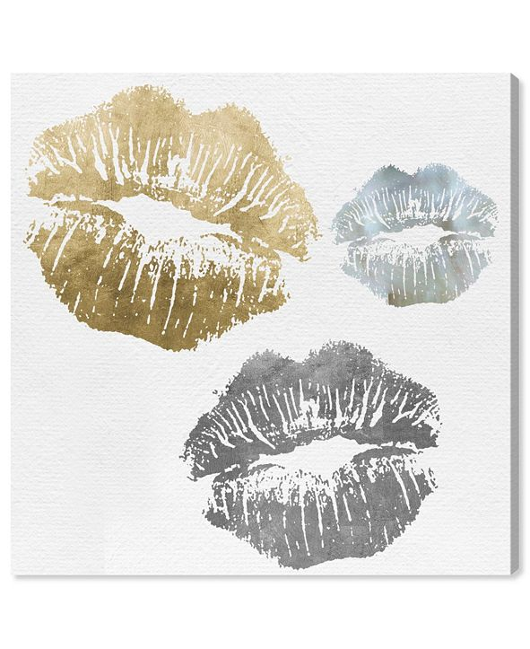 "Oliver Gal Luxury Kiss Canvas Art, 36"" x 36"""