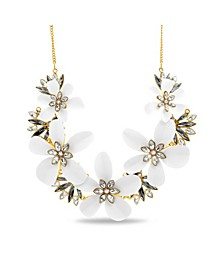 Rhinestone Flower Curb Chain Necklace in Yellow Gold-Tone Alloy