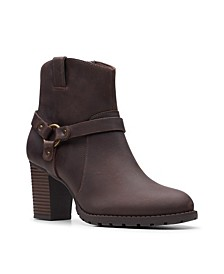 Collection Women's Verona Rock Leather Booties