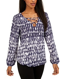 Juniors' Raindrops Lace-Front Top