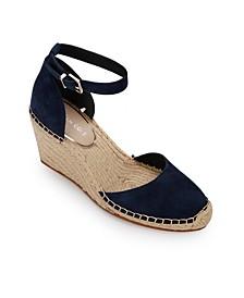 Olivia Low Closed Toe Wedge Sandals