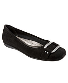 Trotters Sizzle Signature Mary Jane Flat