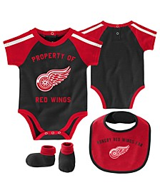 Baby Detroit Red Wings Hard @ Play Bib & Bootie Set