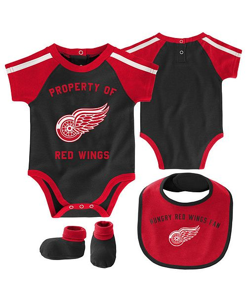 Outerstuff Baby Detroit Red Wings Hard @ Play Bib & Bootie Set
