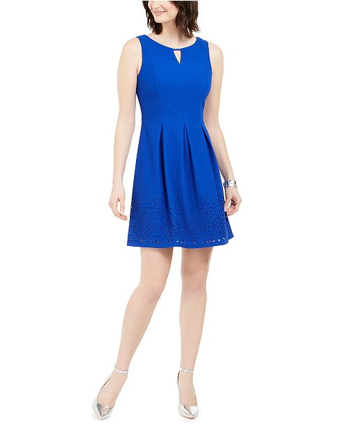 Jessica Howard Petite Keyhole Fit & Flare Dress