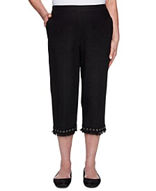 Checkmate Lace-Trim Capris