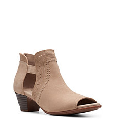 Clarks Collection Women's Valarie Trail Shooties