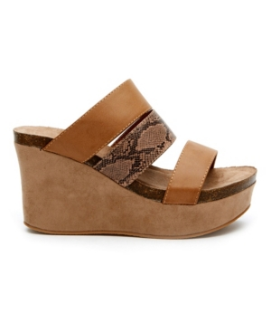 Matisse Gina Wedge Sandal Women's Shoes In Taupe