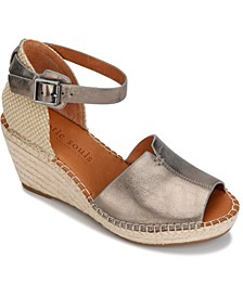 by Kenneth Cole Women's Charli Wedge Sandals