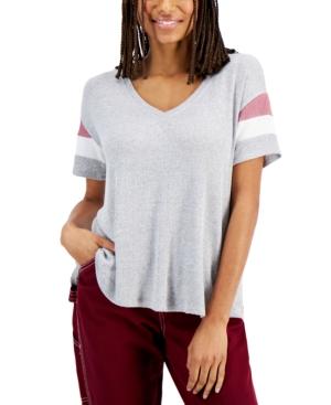 Juniors' Colorblocked-Sleeve Top