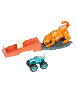 Hot Wheels Monster Trucks Sabretooth Showdown Playset