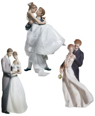 Lladro Collectible Figurine, The Happiest Day Re-Deco