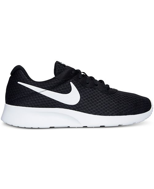 super popular a2c84 9d994 Macy s ajan miesten Miesten Nike vapaa Athletic tennarit  viimeistelylinjalta Tanjun Shoes AZxPT