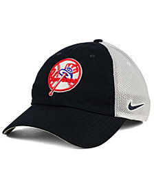 Nike New York Yankees Dri-FIT Mesh Swoosh Adjustable Cap