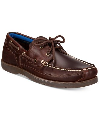 Men s Boat Shoes We're totally on board with the season's most-loved men's boat shoes. Add a nautical element to your casual rotation with these essentials to any guy's shoe collection.