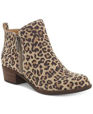 See the latest Steve Madden boots, shoes, handbags and accessories at Steve russia-youtube.tk Save with Free Shipping & free in-store returns.