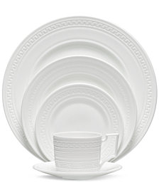 Wedgwood Dinnerware, Intaglio 5 Piece Place Setting
