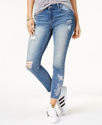 Vanilla Star Juniors' Feather-Embroidered Skinny Jeans