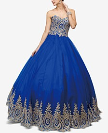Juniors' Embellished Appliqué Gown