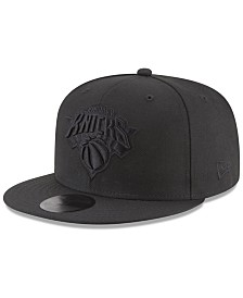 New Era New York Knicks Blackout 59FIFTY Fitted Cap