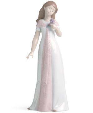 Nao by Lladro Collectible Figurine, Elegant Pose