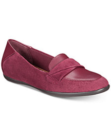 Baretraps Juliya Memory Foam Hidden-Wedge Smoking Flats