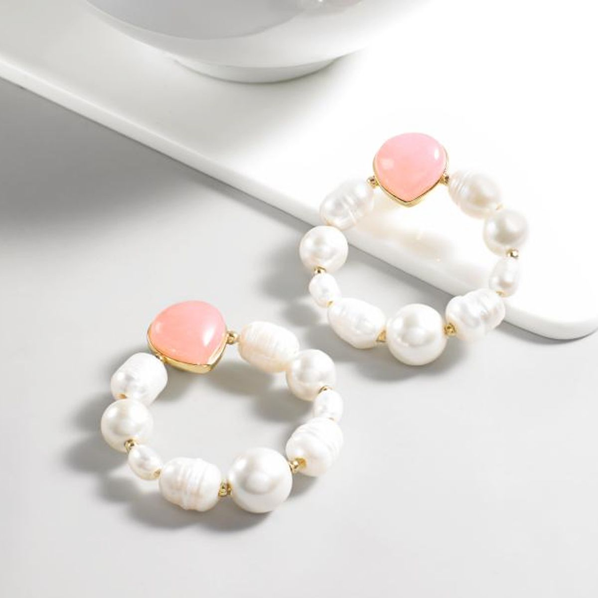 Spring Trend, Pearls