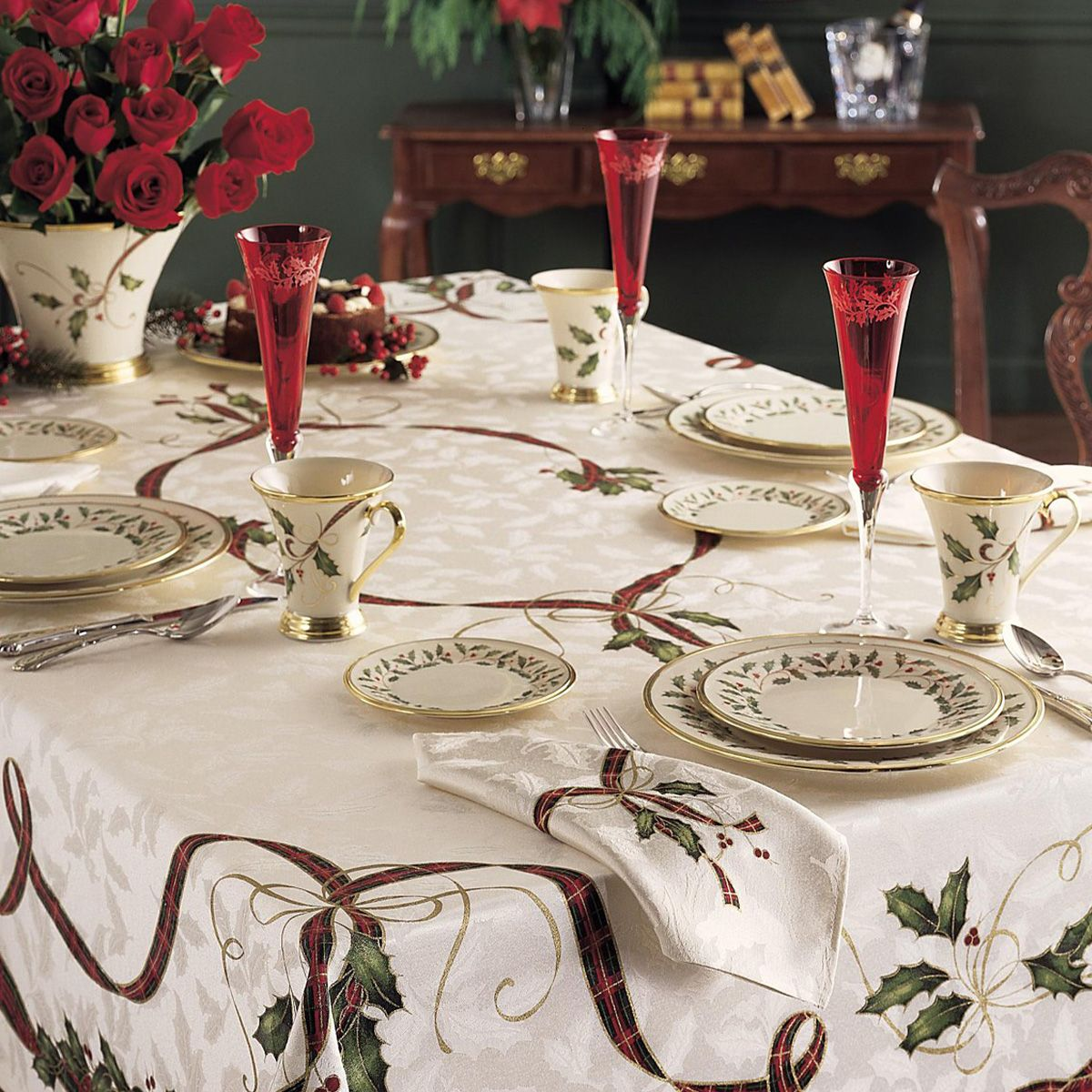 Holiday Linens